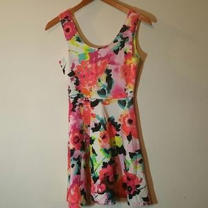 I'M IN LOVE WITH DEREK FLORAL DRESS